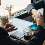Ako na pracovisku nenarušovať vzťahy