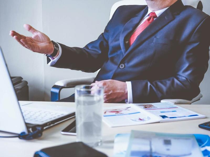 Situácie, ktoré sa aj malému podnikateľovi vyplatia riešiť s právnikom
